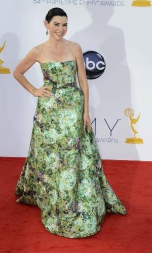 A atriz Julianna Margulies chega à 64ª edição do Emmy Awards, em Los Angeles, nos EUA (23/9/12)