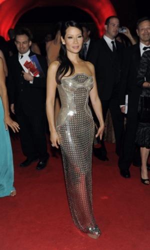 A atriz Lucy Liu chega à 64ª edição do Emmy Awards, em Los Angeles, nos EUA (23/9/12)