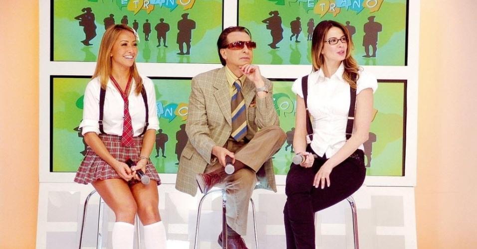 """Sabrina Sato, Ronaldo Ésper e Luciana Gimenez, apresentadora do Superpop, gravam o quadro """"Çoletrano"""", sátira do """"Soletrando"""" feita pelo """"Pânico"""", da RedeTV! (25/4/08)"""