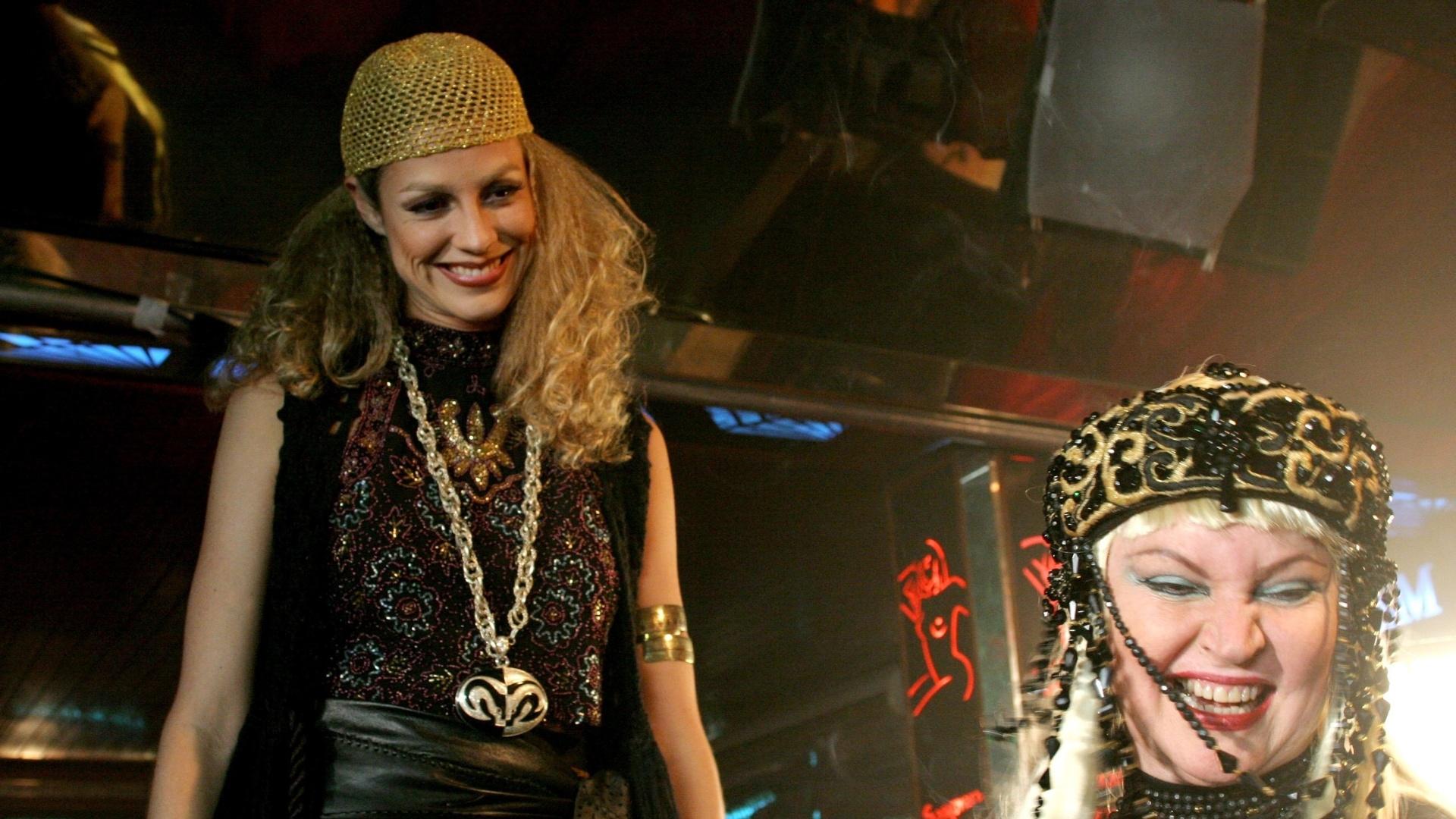 Luana Piovani e Elke Maravilha em cena do filme
