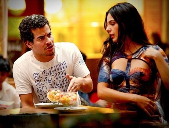 Depois de mudar o visual de Leandro (Thiago Martins) para que ele se parece com jogadores de futebol famosos, Suelen (Ísis Valverde) o proíbe de comer hambúrguer. No ar em 27/9/12