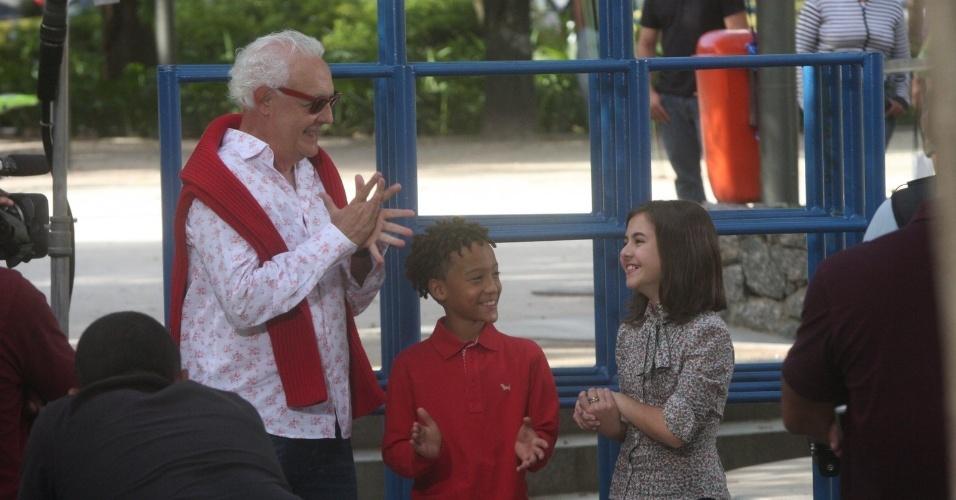 """Ana Furtado grava o programa """"Estrelas"""" com Ney Latorraca, MC Nicolas e Klara Castanho, no Leblon (28/9/12)"""