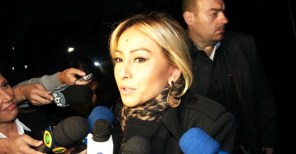 """A apresentadora Sabrina Sato concede entrevista dizendo que """"ainda está caindo a ficha"""" da morte da apresentadora"""