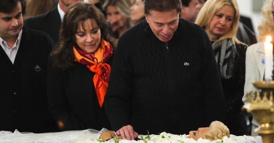 Silvio Santos presta última homenagem à Hebe Camargo (29/9/12)