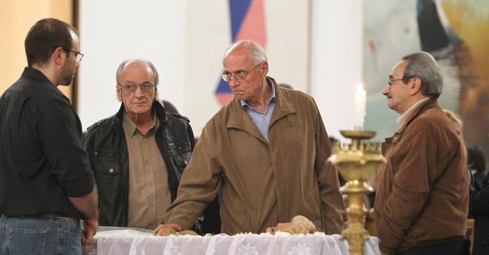Eduardo Suplicy no velório de Hebe Camargo, que morreu na madrugada deste sábado após sofrer uma parada cardíaca (29/9/12)
