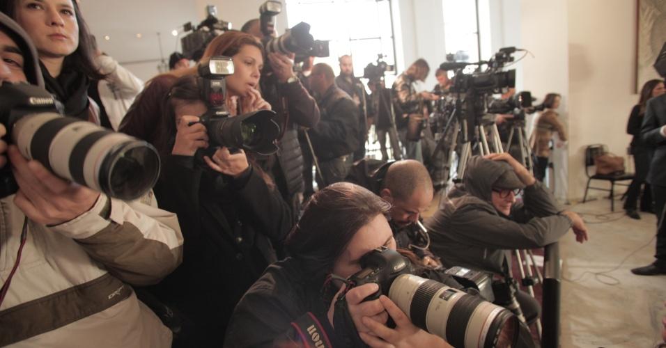 Jornalistas acompanham velório de Hebe Camargo no Palácio dos Bandeirantes (30/9/12)