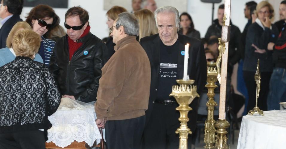 Maestro João Carlos Martins disse que irá reger uma peça em homenagem a Hebe Camargo (29/9/12)
