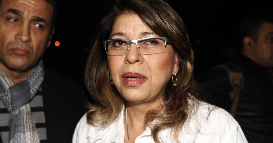 Roberta Miranda concede entrevista durante velório da Hebe no Palácio dos Bandeirantes (29/9/12)