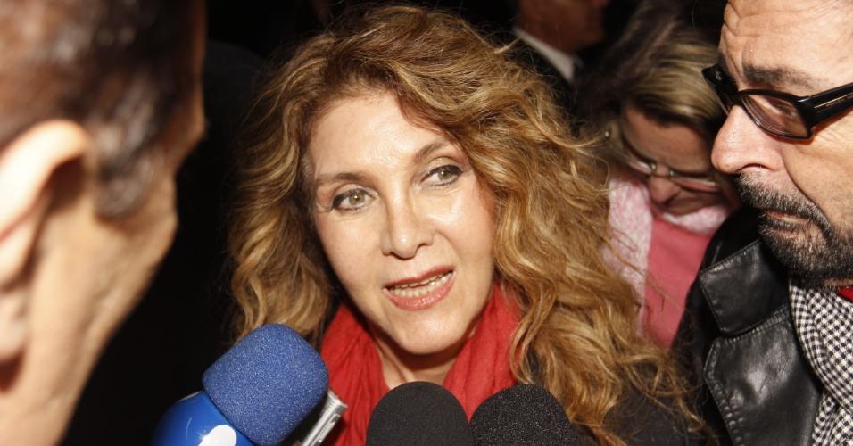 Wanderlea comenta morte da Hebe para emissoras de TV (29/9/12)
