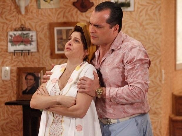 """Em """"Guerra dos Sexos"""", Nenê planeja dar um golpe na irmã Roberta (3/10/12)"""