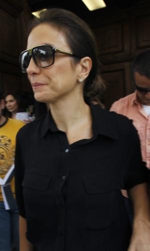 A cantora Ivete Sangalo sai emocionada da missa em homenagem à Hebe Camargo na igreja Nossa Senhora do Brasil, em São Paulo (5/10/12)