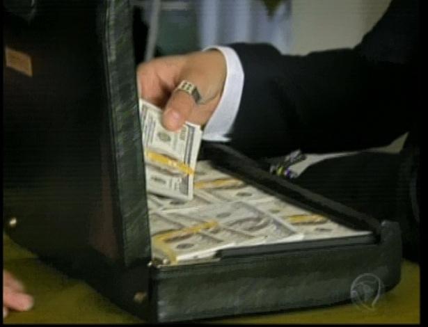 Norberto faz negócio ilegal e ganha U$10 mil