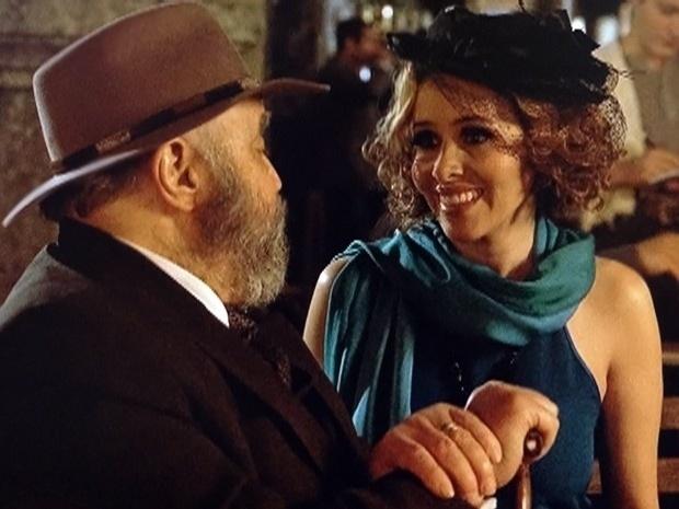 """Em """"Gabriela"""", Zarolha aceita se casar com coronel Manoel das Onças (9/10/12)"""