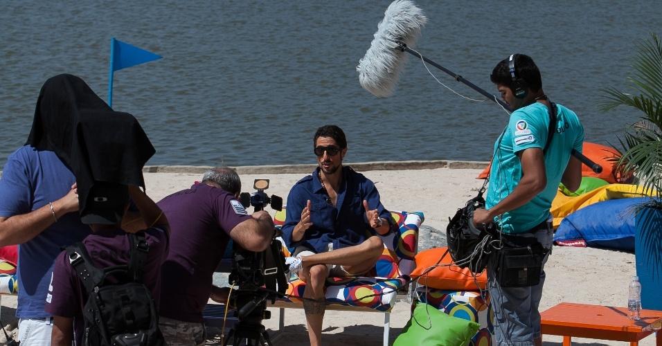 """O apresentador Marcos Mion durante as gravações da segunda fase do """"Ìdolos 2012"""", que aconteceram em um resort no interior de São Paulo. A nova etapa começa a ser exibida nesta quarta-feira (10/10/12)"""