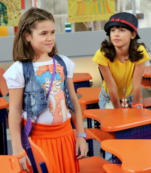 """Em """"Carrossel"""", Paulo solta um sapo na sala de aula e  Valéria desmaia (11/10/12)"""