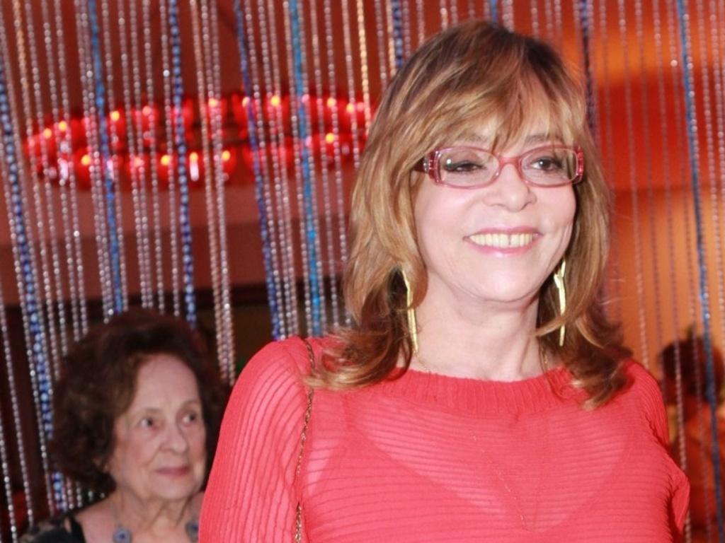 A autora Glória Perez participa de festa de estreia da novela