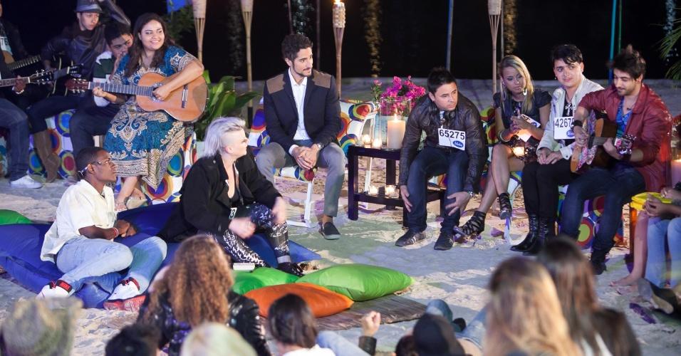 """Marcos Mion participa de Luau com os candidatos do """"Ídolos"""". Na segunda etapa do programa, os calouros se apresentam em duplas(10/10/12)"""