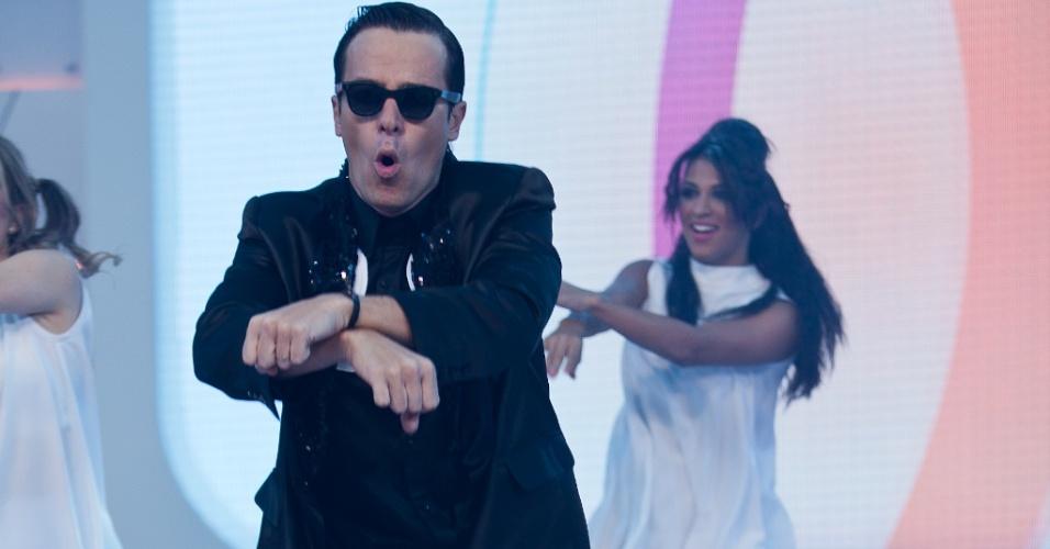 """Rodrigo Faro faz performance de """"Gangnam Style"""" no programa """"O Melhor do Brasil"""" (10/10/2012)"""