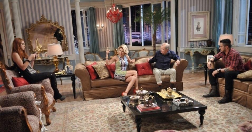 """Em """"Balacobaco"""", Luiza comenta que André parece apaixonado por Catarina"""