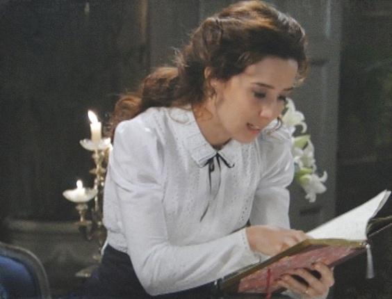 """Em """"Lado a Lado"""", Laura começa a achar que filho de Isabel é de Albertinho (13/10/12)"""