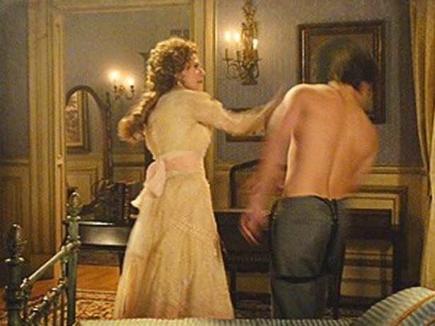 """Em """"Lado a Lado"""", Constância dá um tapa na cara de Albertinho, após saber que ele pode ser o pai do filho de Isabel (16/10/12)"""