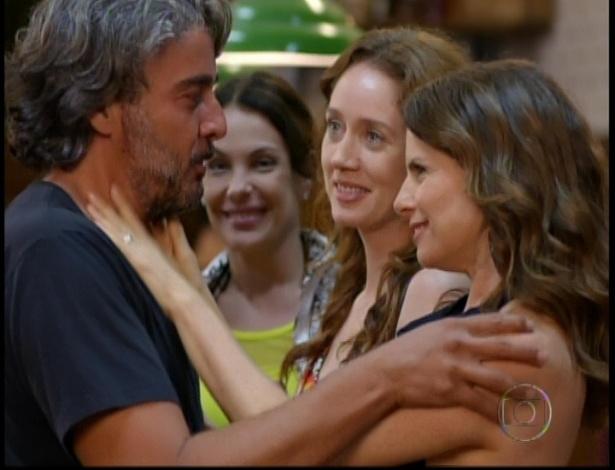 Alexia, Noêmia e Débora Bloch voltam para o Divino e se reconciliam com Cadinho no último capítulo de
