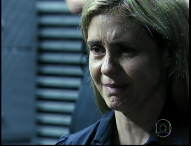 Carminha diz matou Max porque caso contrário ele teria matado a Nina e todos os outros que estavam no lixão no dia da morte do malandro (19/10/12)