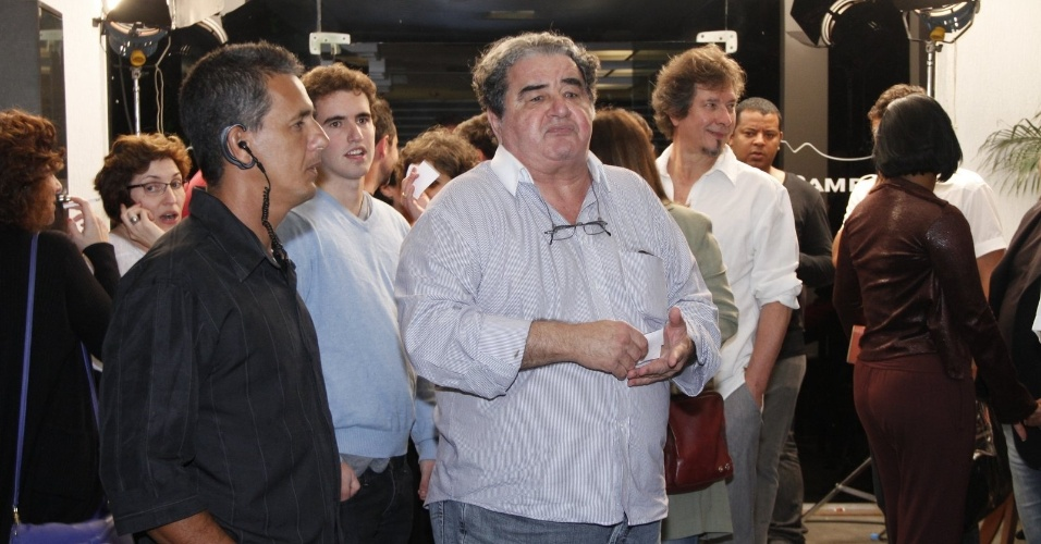 "Otávio Augusto, intérprete de Diógenes, chega para assistir ao último capítulo de ""Avenida Brasil"" (19/10/12)"