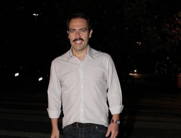 """Anderson Müller chega para assistir ao primeiro capítulo da novela """"Salve Jorge"""" em churrascaria, no Rio de Janeiro (22/10/12)"""
