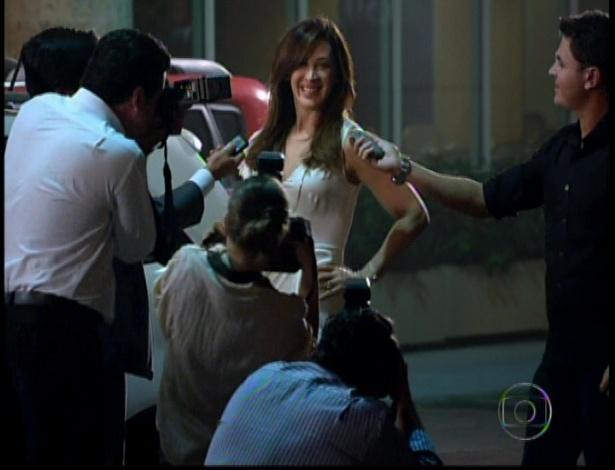 Lívia dá entrevistas aos jornalistas