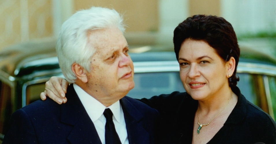 """Cláudio Corrêa e Castro e Regina Dourado em cena da novela """"Anjo Mau"""", da Globo (1997)"""