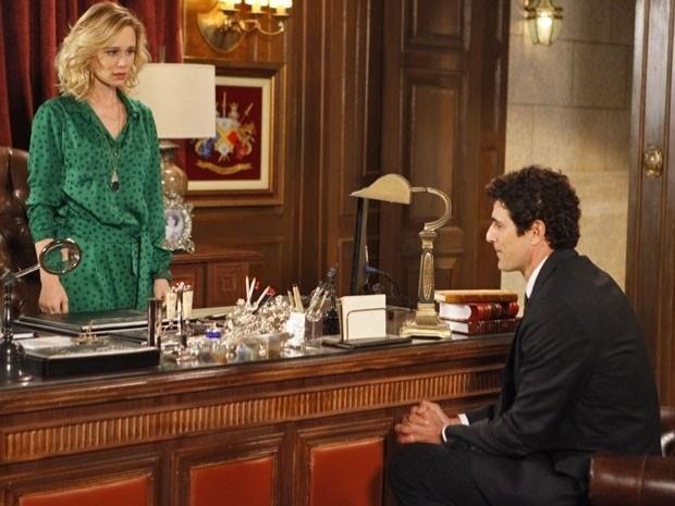 """Em """"Guerra dos Sexos"""", com a ajuda de Nando, Juliana decide esquecer Fábio (23/10/12)"""