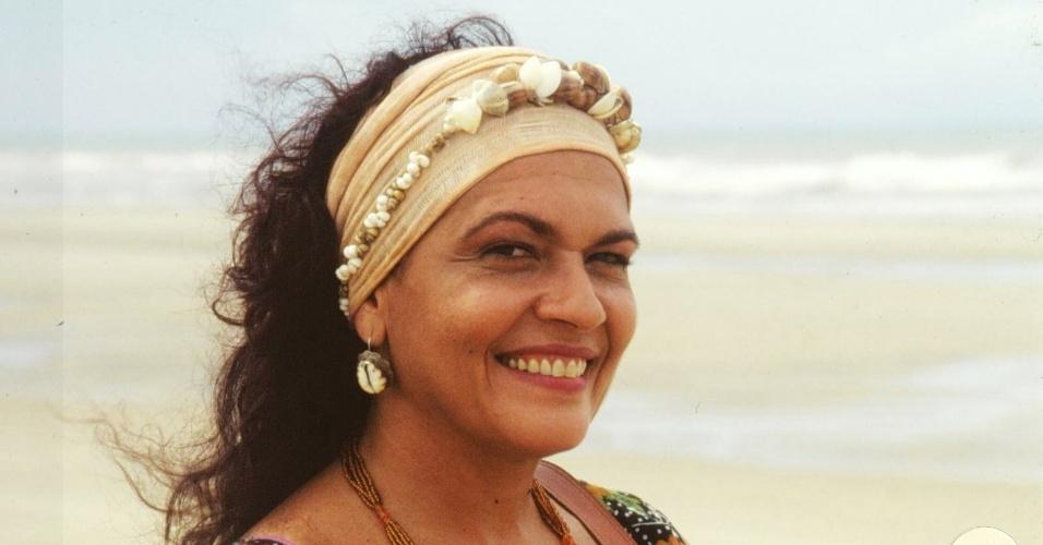 """Regina Dourado caracterizada como a personagem Serena de """"Tropicaliente"""", da Globo (1994)"""