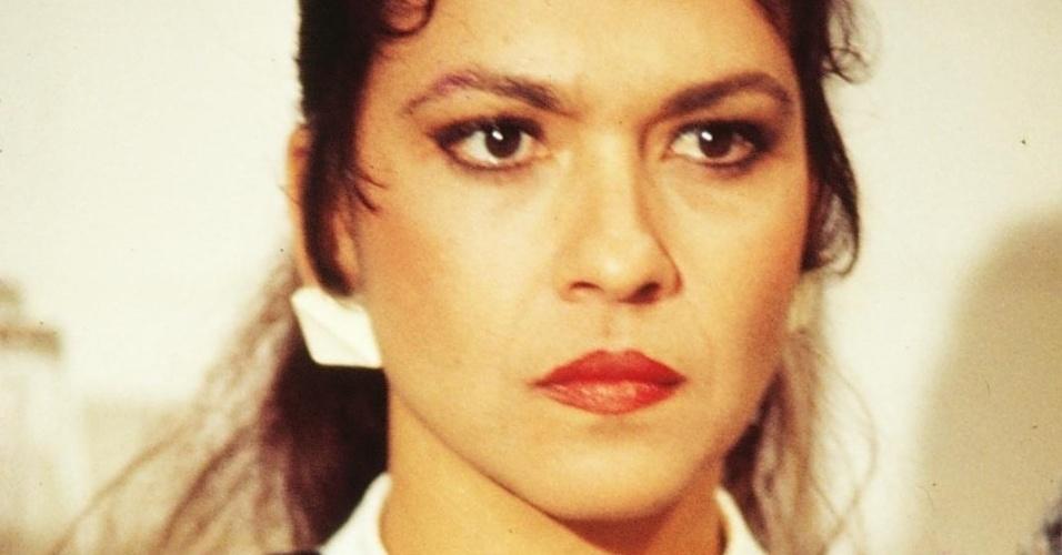 """Regina Dourado como a personagem Lála Sereno, de """"Pão Pão, Beijo Beijo"""", da Globo (1983)"""
