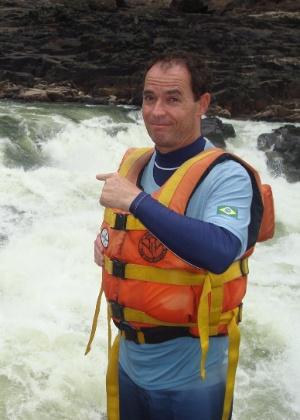Clayton Conservani encara um rafting em corredeiras repletas de crocodilos (19/7/2012)