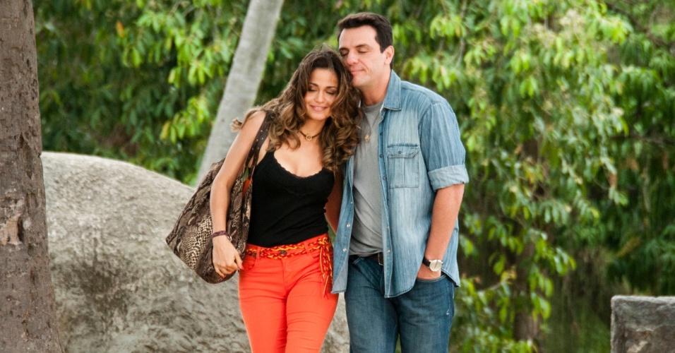 """Morena e Théo têm tarde romântica em parque em """"Salve Jorge"""" (19/10/12)"""
