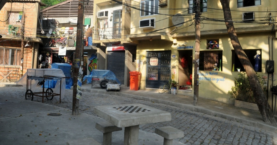 No Alemão cenográfico estão a casa de Morena, o botequim do Clóvis e a venda do Galdino (26/10/2012)