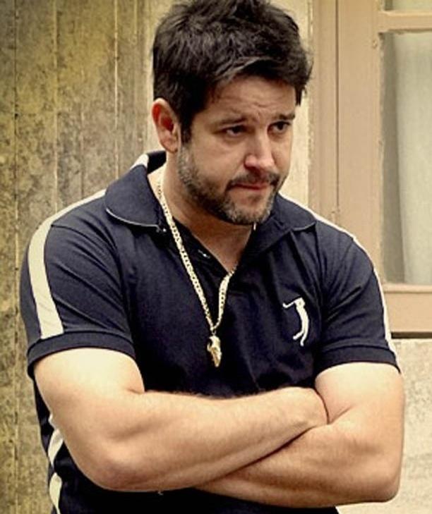 O colar com pingente em forma de chuteira do Tufão (Murilo Benício) é o mais procurado (31/10/2012)