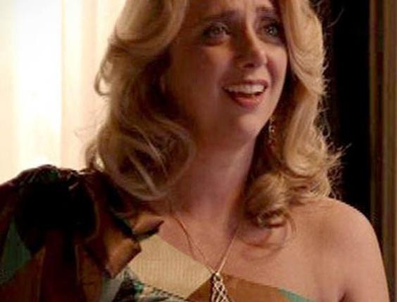 O colar e o brinco com o símbolo de infinito da Ivana (Letícia Isnard) também estão à venda no comércio popular. Os preços variam de R$13,75 a R$23,70 (31/10/2012)
