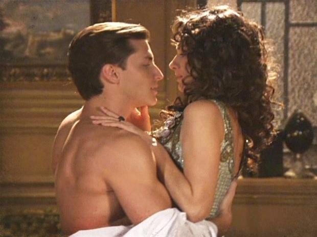 """Em """"Lado a Lado"""",  Dorleac vai para cama com Umberto (1/11/12)"""