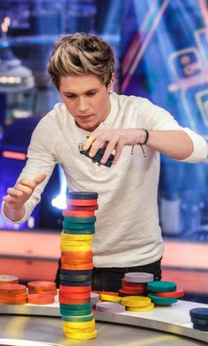 "Niall Horan, Zayn Malik, Liam Payne, Harry Styles e Louis Tomlinson, integrantes da boy band One Direction, gravam o programa da TV espanhola ""El Hormiguero"" em Madri (31/10/12)"