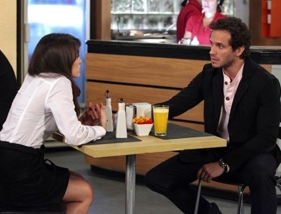 """Em """"Guerra dos Sexos"""", Carolina diz a Fábio que Manoela sabe sobre sua amante (5/11/2012)"""