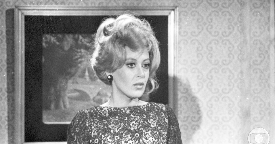 """Marilu Bueno caracterizada como a personagem Mariinha de """"Estúpido Cupido"""", novela da Globo (1976)"""