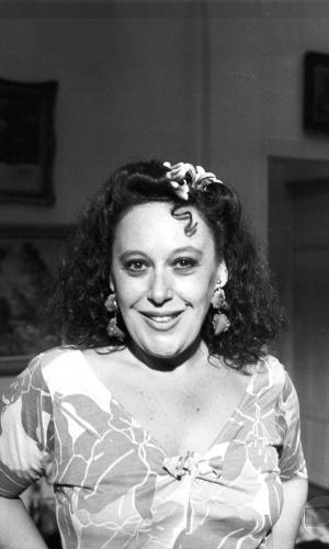 """Marilu Bueno na pele da personagem Sulamita Miranda da novela """"Partido Alto"""", da Globo (1984)"""