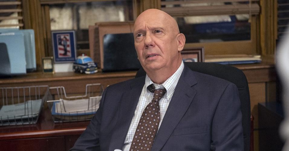 """O capitão Cragen (Dann Florek) será acusado de um crime na 14ª temporada de """"Law & Order: SVU"""", que estreia neta terça (6), às 21h, no Universal Channel"""