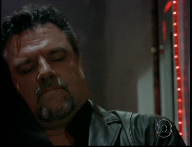 """Russo (Adriano Garib) em cena de """"Salve Jorge"""" que foi ao ar nesta segunda-feira (5/11/12)"""