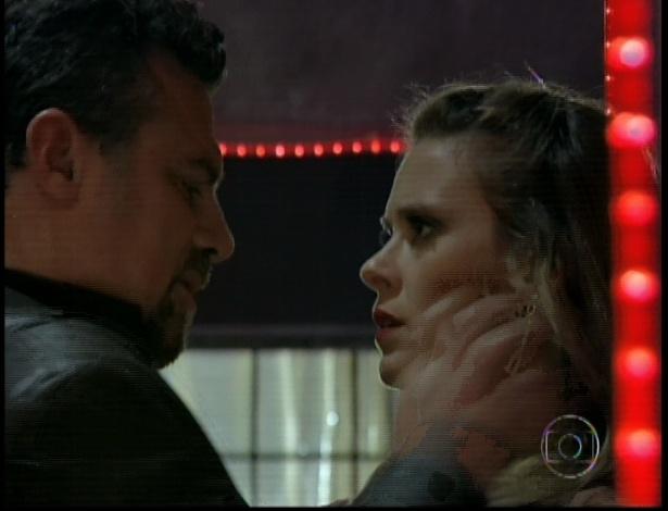 """Russo confronta Jéssica em cena de """"Salve Jorge"""" que foi ao ar nesta segunda-feira (5/11/12)"""