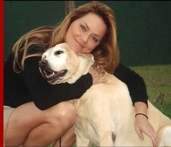 "Ayline era a cadela amiga da fotografa Isabel (Viviane Pasmanter) na novela ""Páginas da Vida (2006)"" de Manoel Carlos"