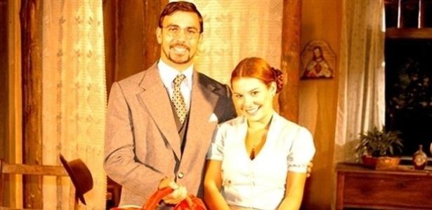 """Em """"Alma Gêmea"""" (2005), Mirna(Fernanda Souza) tinha sua amiga e pata de estimação, chamada de Doralice"""