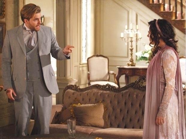 """Em """"Lado a Lado"""", Edgar culpa Catarina pela sua separação com Laura e a cantora se faz de vítima (6/11/12)"""